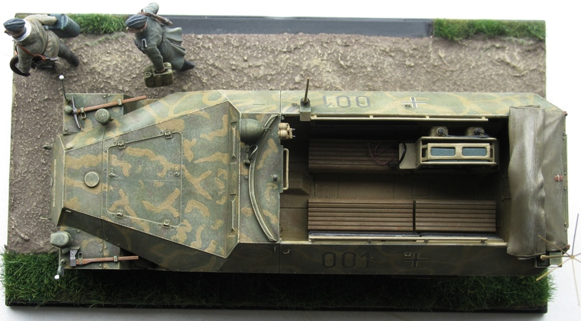 sd.kfz 251/3 Ausf D early  AFVclub 1/35 299953IMG0018