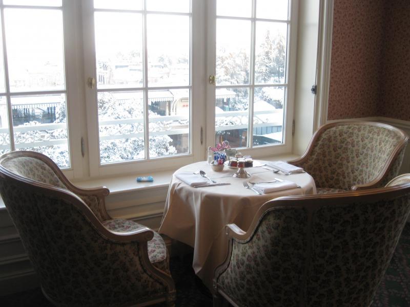 [Disneyland Paris] Disneyland Hotel - chambre Castle Club (8-10 décembre 2010) (début du TR p.9) - Page 9 305268IMG2126