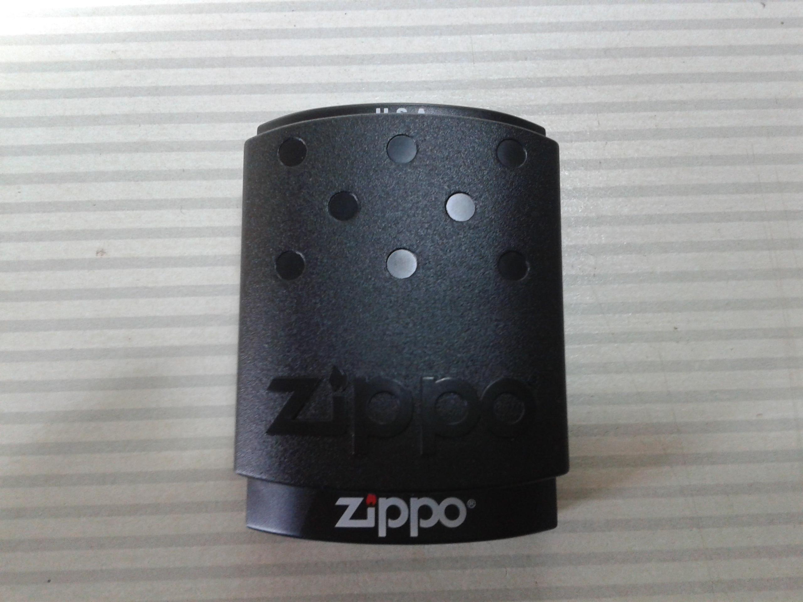 Les boites Zippo au fil du temps - Page 2 310365Plastique1