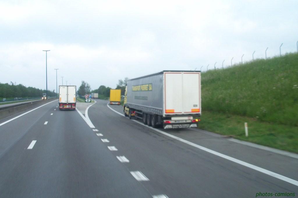 Les parkings d'autoroutes 310489photoscamions2VI118Copier