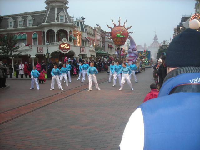 [Disneyland Paris] Premier séjour au DLH (31 janv.-2 fév. 2011) + un anniversaire inoubliable ! - Page 4 322108231