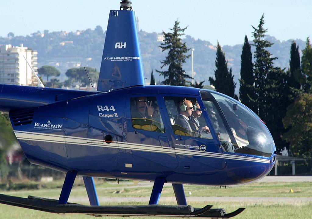 VOL en Robinson R44 autour de LFMD Cannes-Mandelieu 323421IMG0783