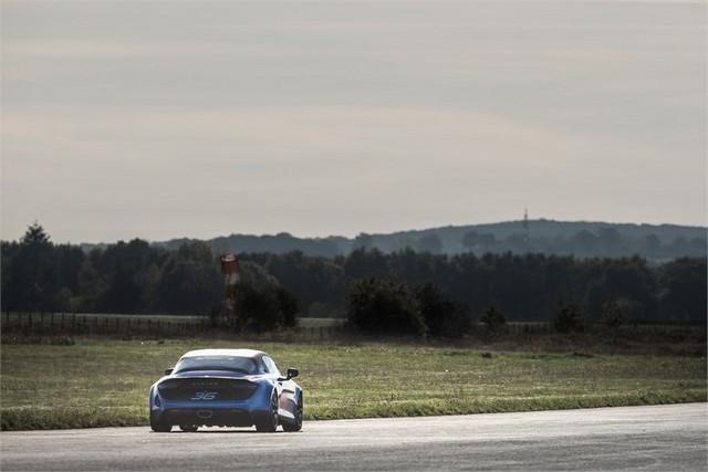 Alpine A110 Cup : une authentique voiture de course, taillée pour les plus grands circuits européens 326299211986912017AlpineA110Cup