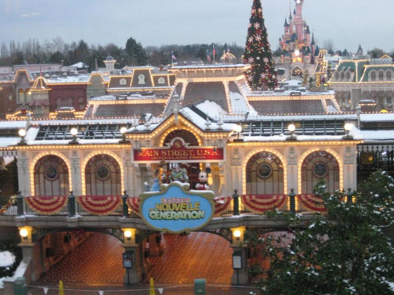 [Disneyland Paris] Disneyland Hotel - chambre Castle Club (8-10 décembre 2010) (début du TR p.9) - Page 10 336808IMG2428