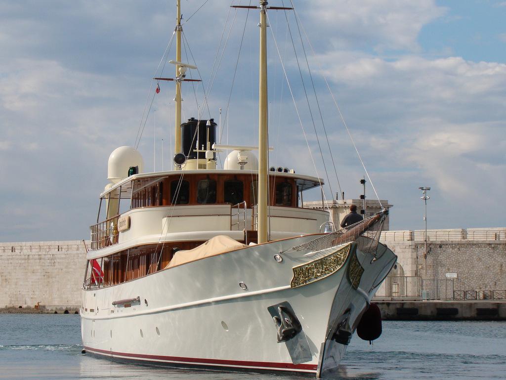 [Vie des ports] Le Port de Nice - Page 2 337824DSC01761001