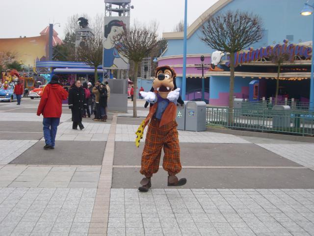 [Disneyland Paris] Premier séjour au DLH (31 janv.-2 fév. 2011) + un anniversaire inoubliable ! - Page 4 340642204