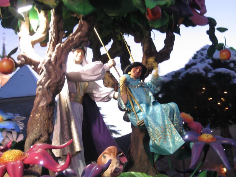 [Disneyland Paris] Disneyland Hotel - chambre Castle Club (8-10 décembre 2010) (début du TR p.9) - Page 10 341534IMG2304