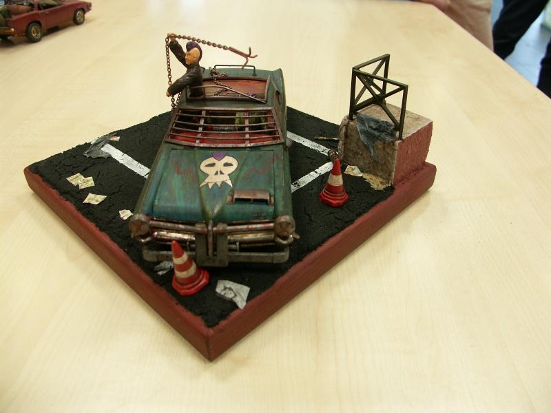 """Pontiac façon """"Mad Max"""" 1/24 avec base/décor  343366PICT7140"""