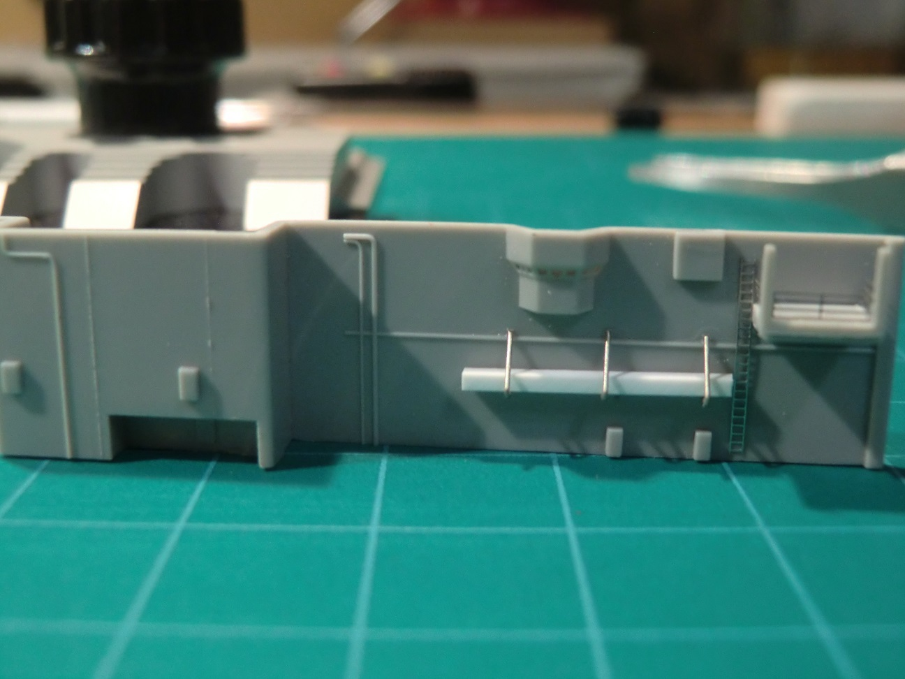 CVN 68 USS Nimitz Trumpeter 1/700  - Page 4 343557Nimitz37