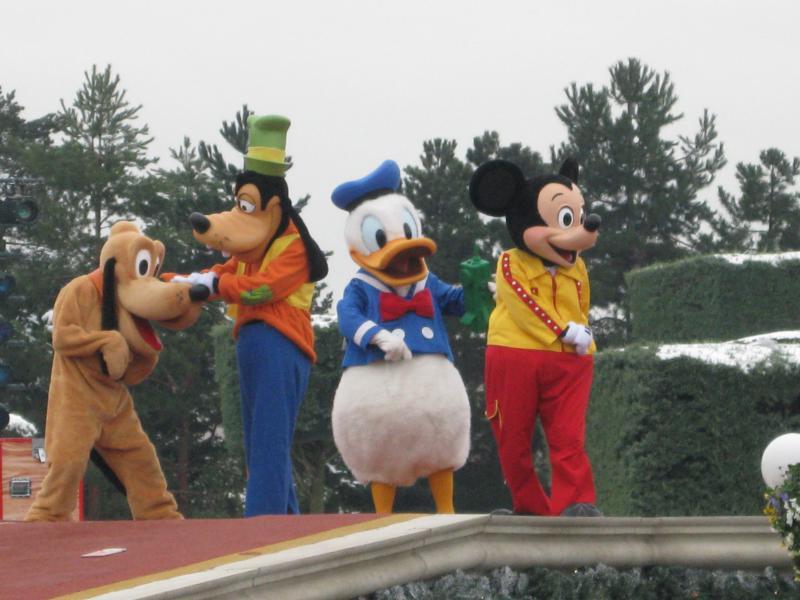 [Disneyland Paris] Disneyland Hotel - chambre Castle Club (8-10 décembre 2010) (début du TR p.9) - Page 10 345352IMG2526