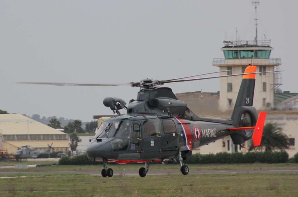 Eurocopter SA365F Dauphin 345491IMG1441