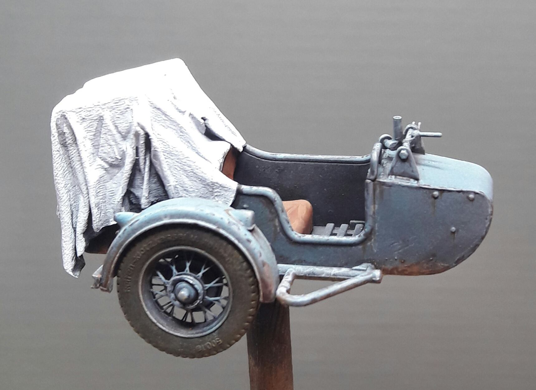Zündapp KS750 - Sidecar - Great Wall Hobby + figurines Alpine - 1/35 - Page 4 3475741987598210211770307147686272558933o