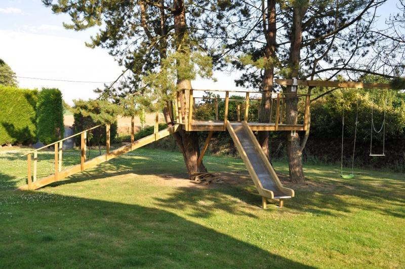 Projet de toboggant pour la cabane dans les arbres de mon fils, vos idées? - Page 3 348366Cabane11