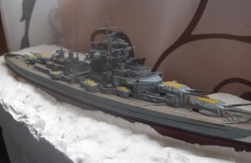 Bismarck 1/700 [Trumpeter] - Page 4 349424HPIM2157