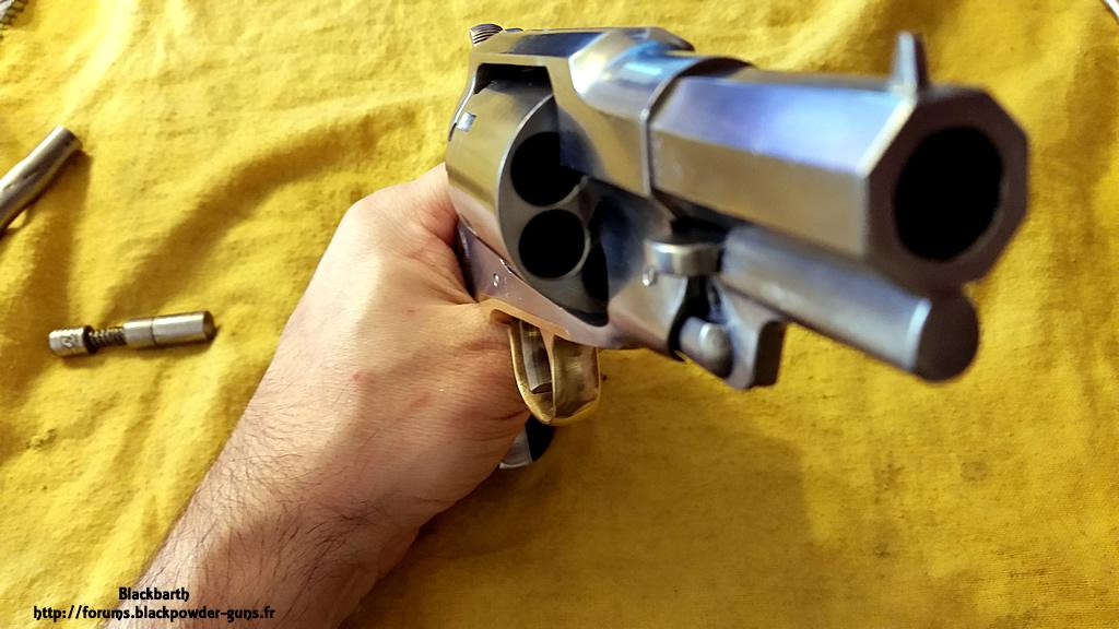 """Texas Avenger"" Cal 44 une Customisation du Remington 1858 349443RemSnub10"