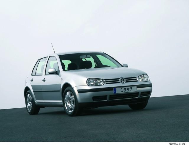 Compte à rebours pour la Golf restylée en novembre : la Golf IV, l'icône stylistique de la série  350602hddb2003au01924large