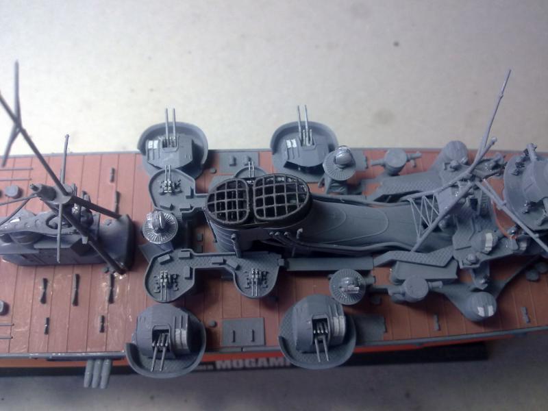 croiseur lourd Mogami au 1/350 par Pascal 94 - Tamiya  - Page 4 35126227112010958jpg