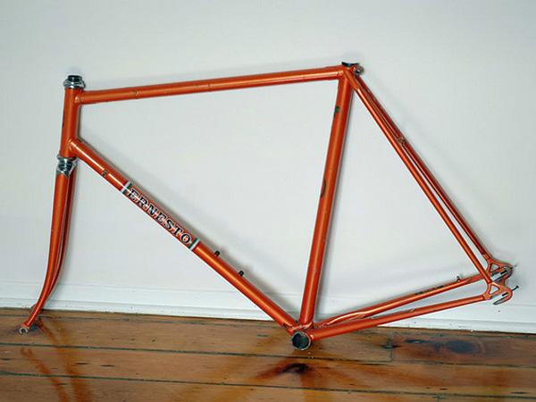 Ernesto Special (presque orange) 354589ernestoautres001