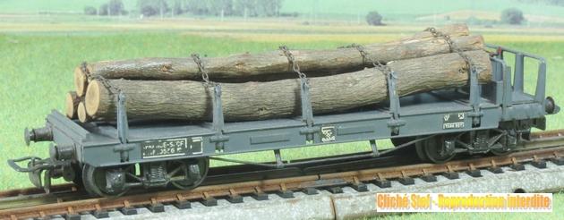 Wagons plats ranchers vides ou chargés 354979VBplatranchersbogiesboisIMG3242