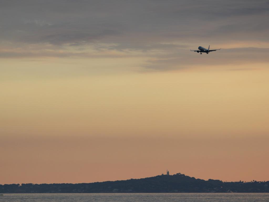 Aéroport de Nice Côte d'Azur , [LFMN-NCE] - Page 5 356536IMG9990