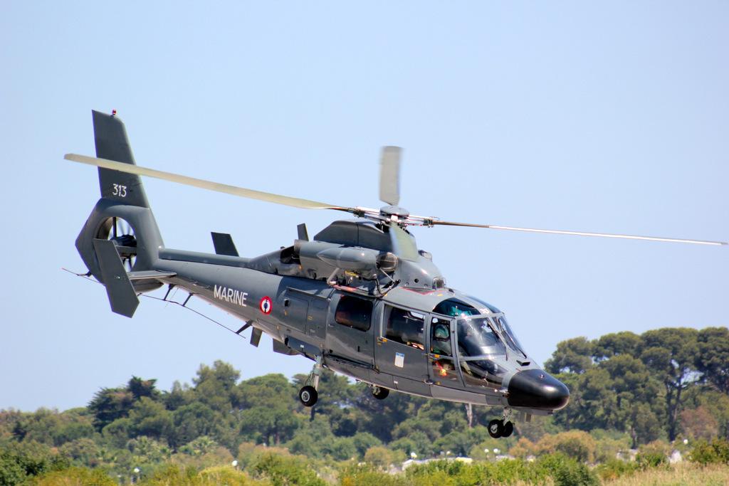 Eurocopter SA365F Dauphin 358606IMG9791