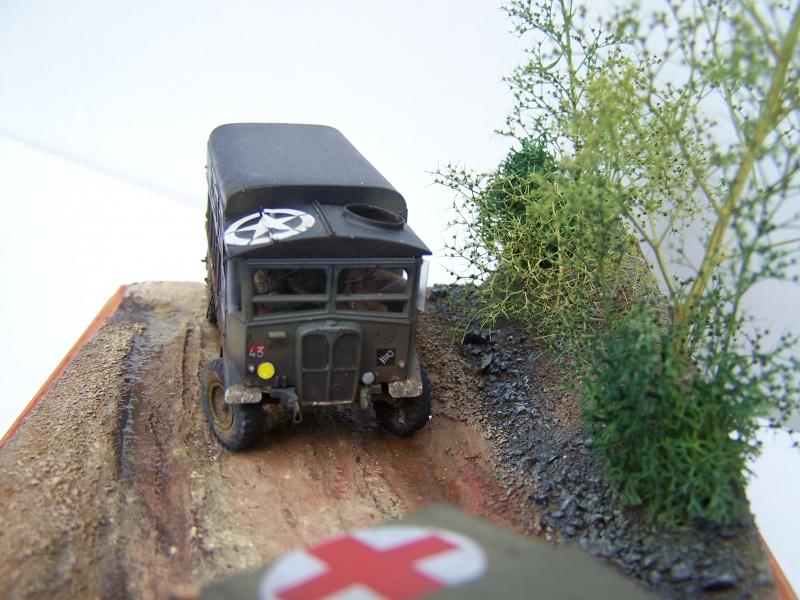 """AEC Matador et Ambulance Austin K2 """"au détour d un chemin"""" 358835MatadorAustinK2037"""