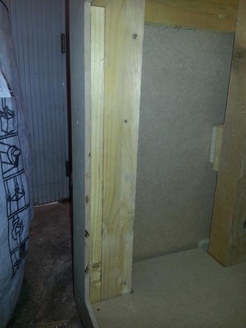 Construction d'un meuble en Chevrons de 8x8 pour bac 200cm 359646IMG20131208152830