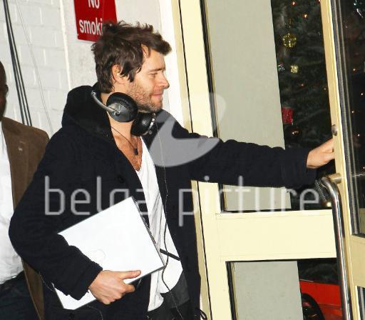 Take That au X Factor 12-12-2010 361286proxyCAQTERWR