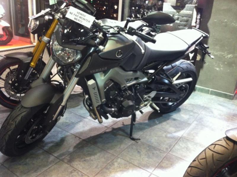 Photos de toutes les Yamaha MT-09 du forum ! :) - Page 2 361525IMG8369