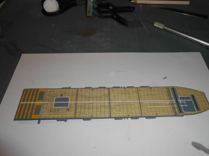 Kaga/Tenryu 1932 1/700 PE/Ponts en bois+Babioles - Page 4 366484DSCN7436