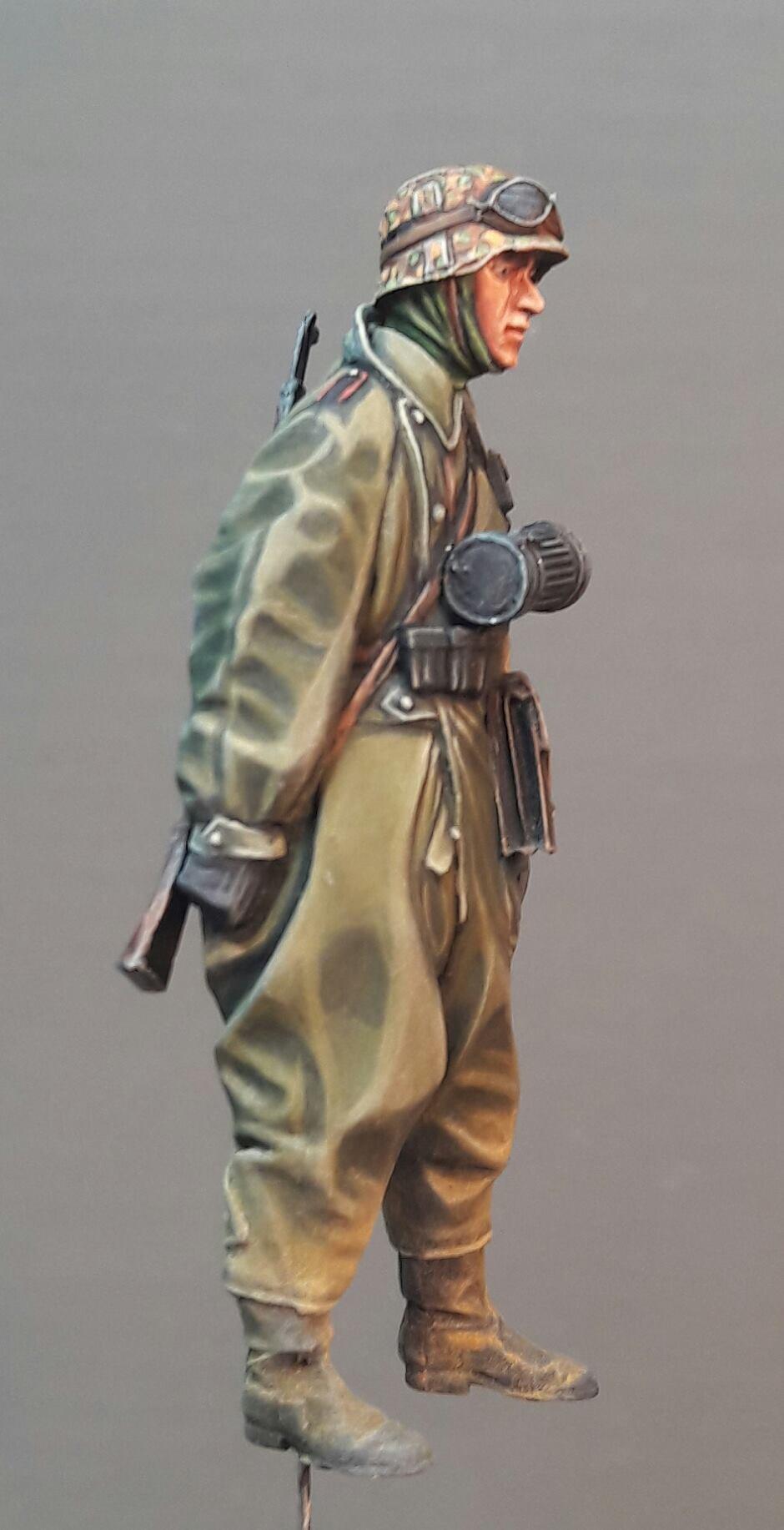 Zündapp KS750 - Sidecar - Great Wall Hobby + figurines Alpine - 1/35 - Page 3 366673198145031021172837849949640973015o