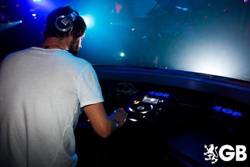 Howard DJing à Birmingham 29-01-2011 367934665x445fitbox28707vi