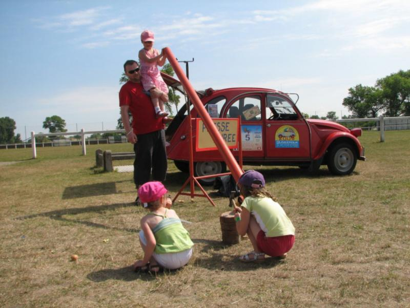 5 th Mini & deuche rally days 2 & 3 juillet 2011   376398img7113