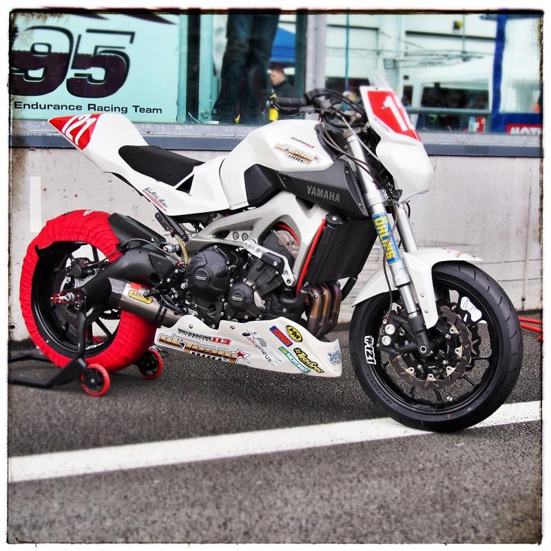 Photos de toutes les Yamaha MT-09 du forum ! :) - Page 6 376730Y121937855photo1