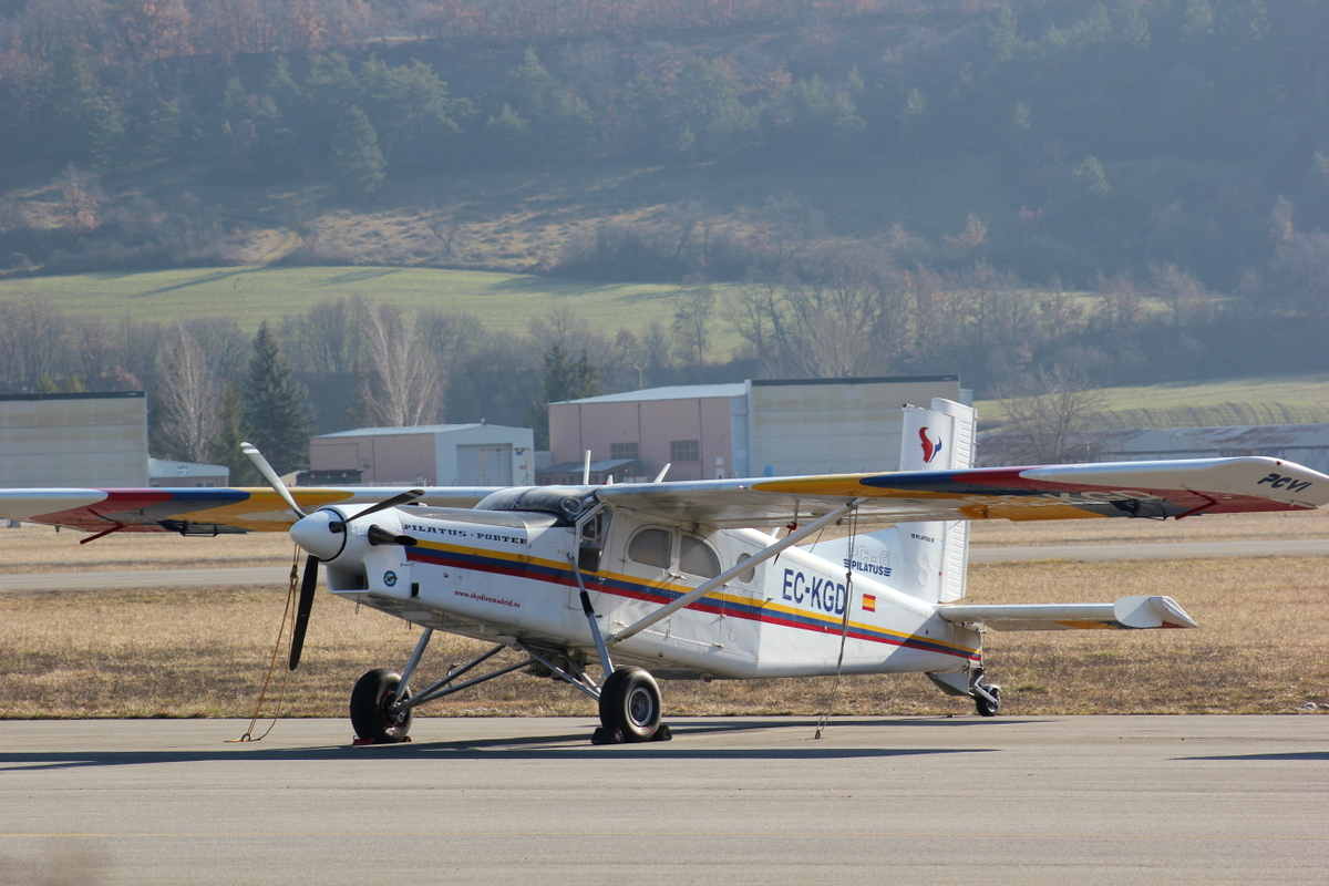 Aérodrome de Gap-Tallard [LFNA-GAT] 376842IMG8254
