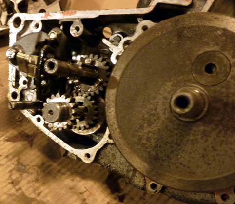 MZ 125 TS changement de roulements d'une MZ 125TS 379989P1030133