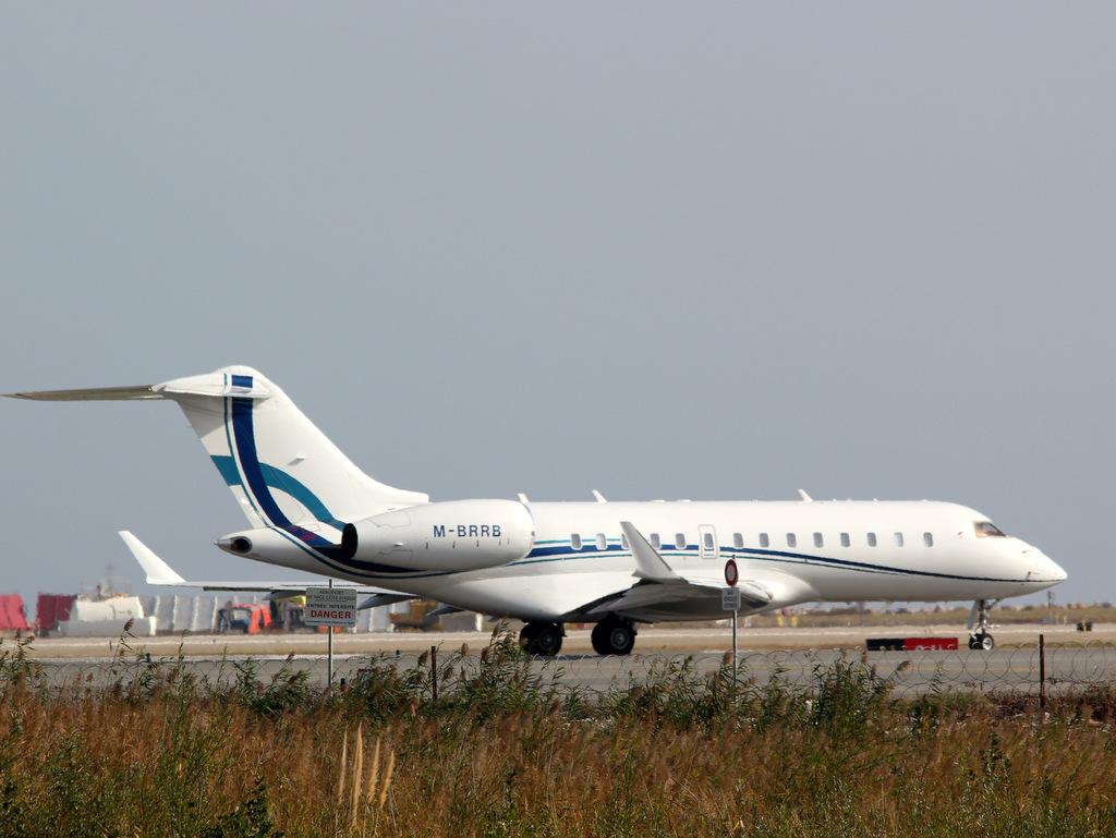 Aéroport de Nice Côte d'Azur , [LFMN-NCE] - Page 6 386237IMG0133