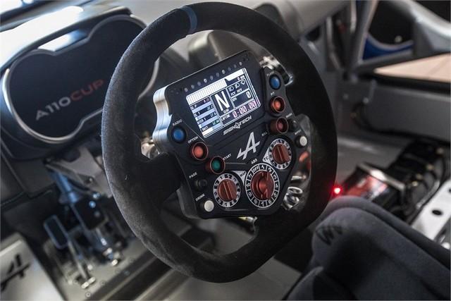 Alpine A110 Cup : une authentique voiture de course, taillée pour les plus grands circuits européens 386426211987222017AlpineA110Cup