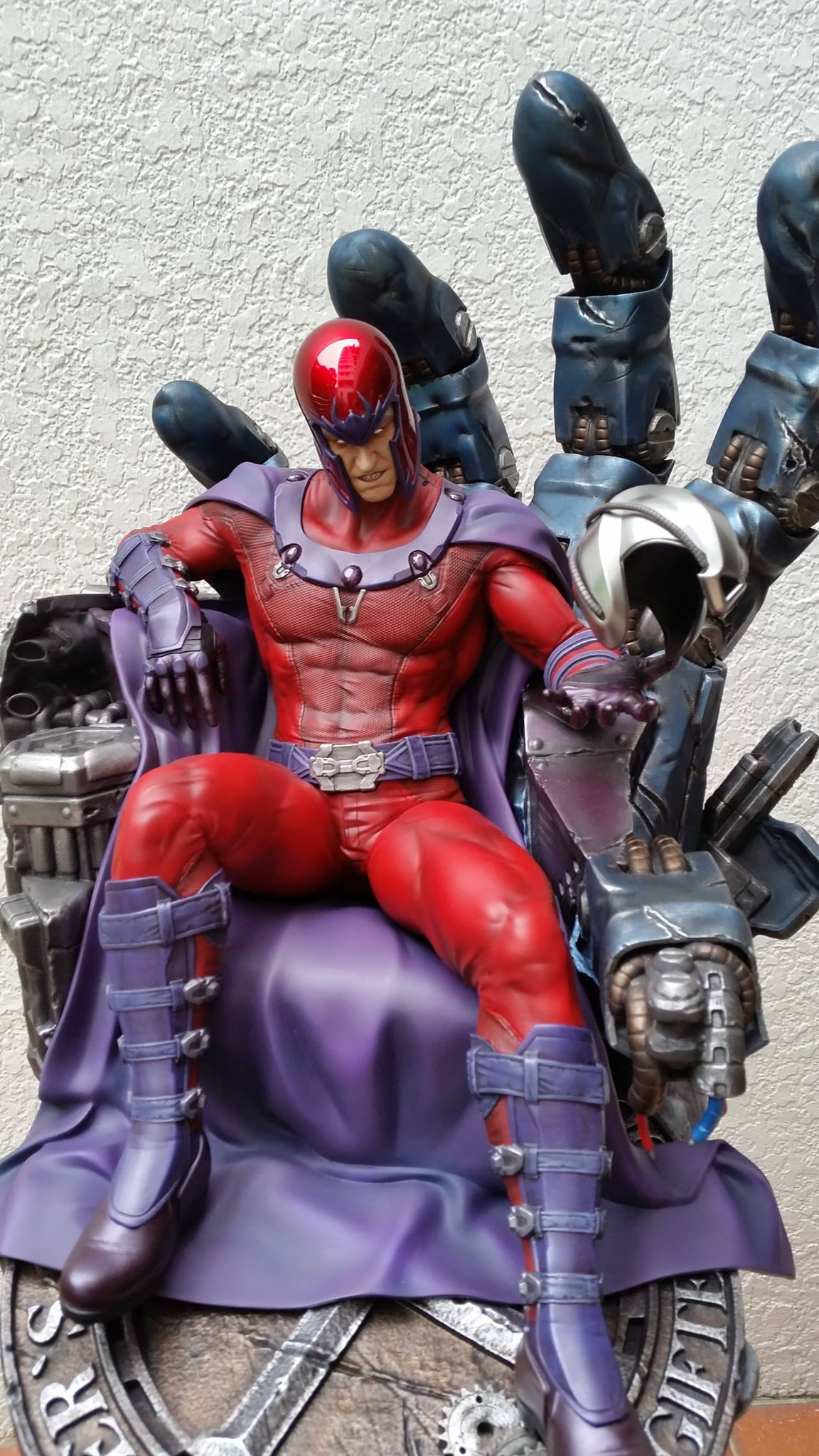 Premium Collectibles : Magneto on Sentinel Throne - Page 5 3866741050709914011596967713926366062516686963552o