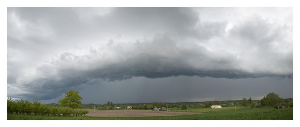 FIL ROUGE : Le ciel et les nuages  387181Panoramaencadr2