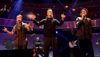 Take That au Children in Need 19/11/2010 388496normal001jpg
