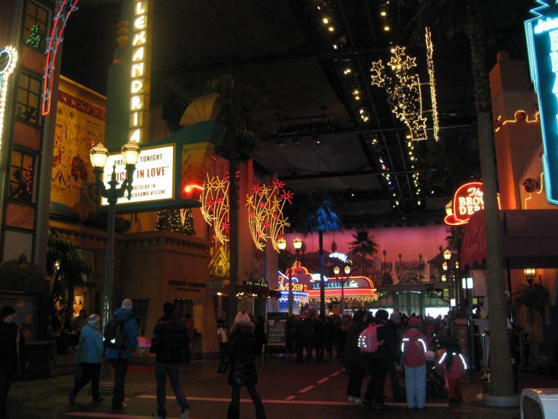 [Disneyland Paris] Disneyland Hotel - chambre Castle Club (8-10 décembre 2010) (début du TR p.9) - Page 9 391050IMG2220