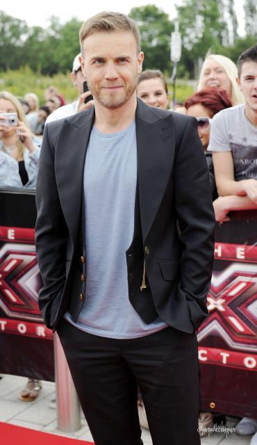 Gary arrive à l'audition de X Factor à Birmingham 1/06/11 393405HQ002