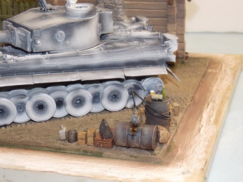 TIGRE S33  avant la bataille de Koursk juillet 43 (Dragon 1/35 dio DIODUMP) - Page 4 393499DSCN4628