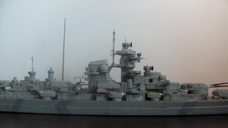 Bismarck 1/700 [Trumpeter] - Page 3 398120HPIM2154