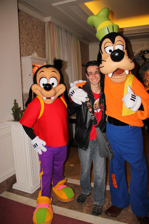 Vos photos avec les Personnages Disney - Page 2 398209IMG8058