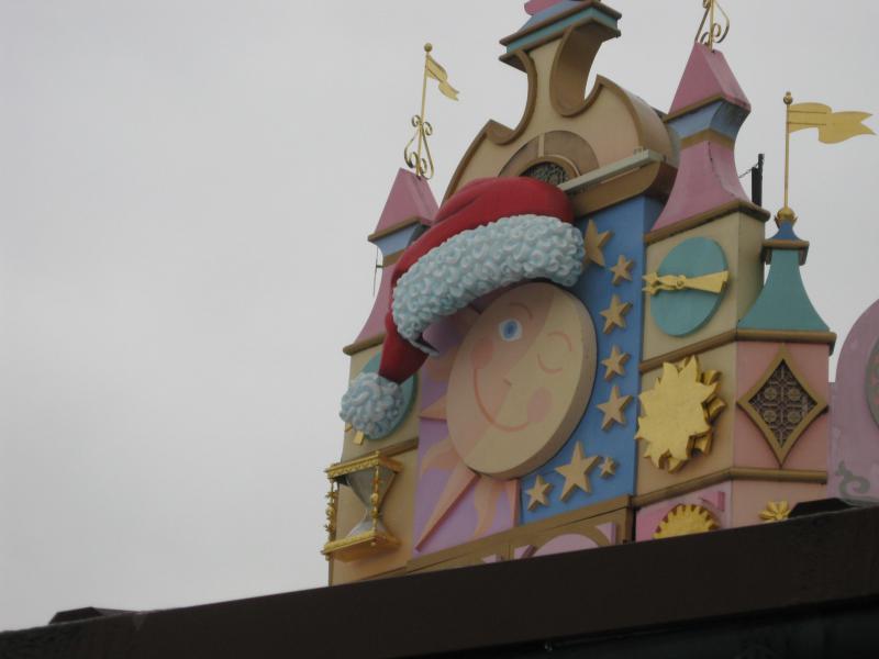 [Disneyland Paris] Disneyland Hotel - chambre Castle Club (8-10 décembre 2010) (début du TR p.9) - Page 10 398321IMG2467