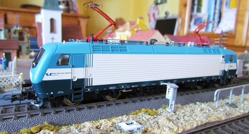 Une belle italienne en 3 rails chez Roco 403744IMG5770