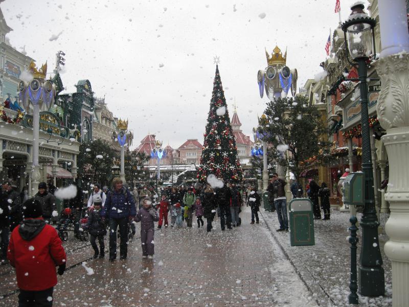 [Disneyland Paris] Disneyland Hotel - chambre Castle Club (8-10 décembre 2010) (début du TR p.9) - Page 10 404982IMG2506