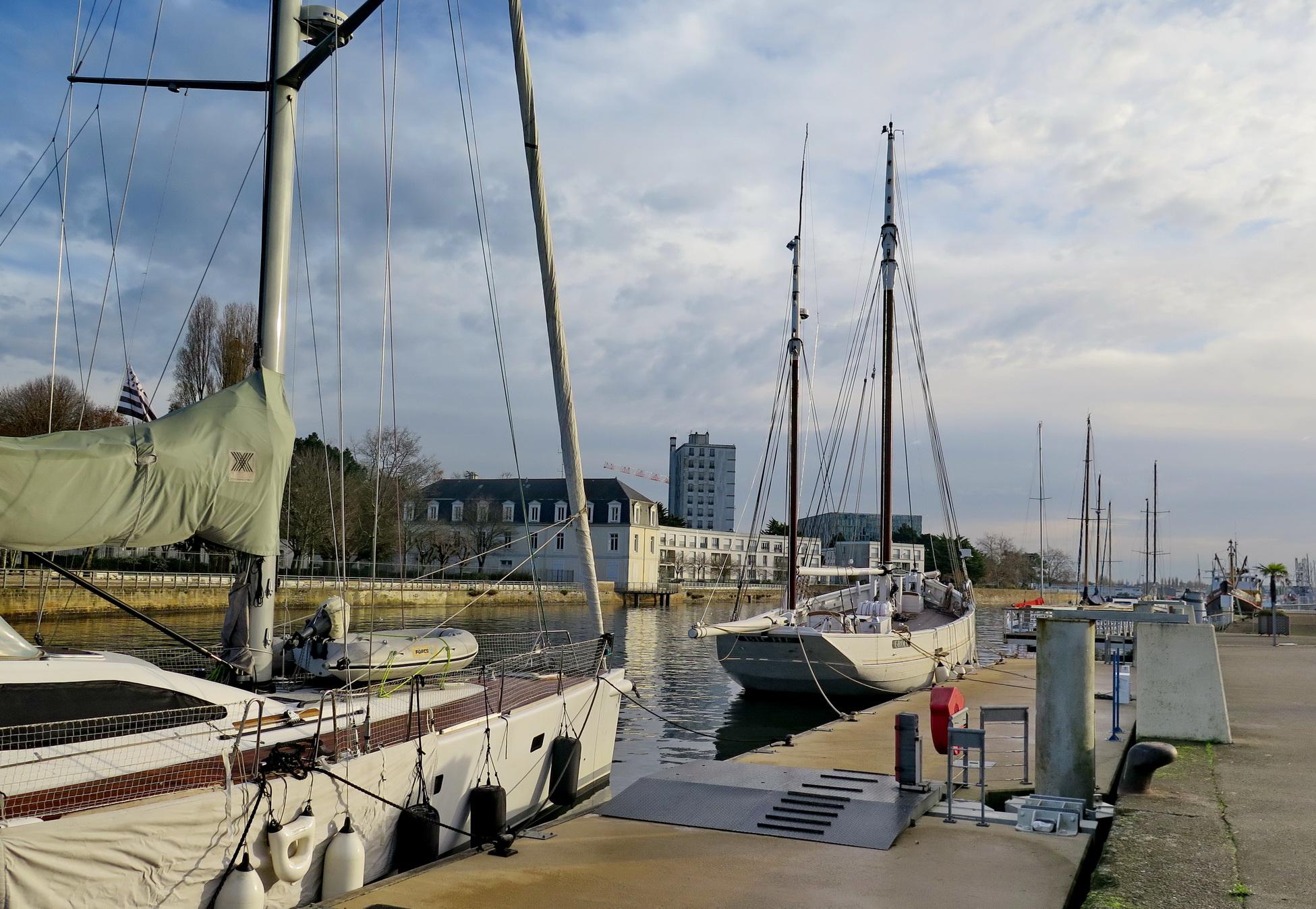[Vie des ports] LE PORT DE LORIENT VOLUME 003 - Page 4 404988retourg16Groix055